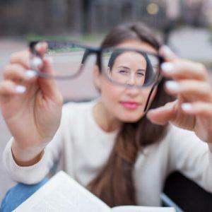 Operación de miopía, hipermetropía y/o astigmatismo con láser